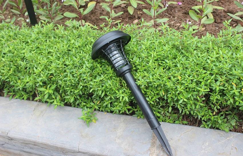 Đèn diệt côn trùng sân vườn