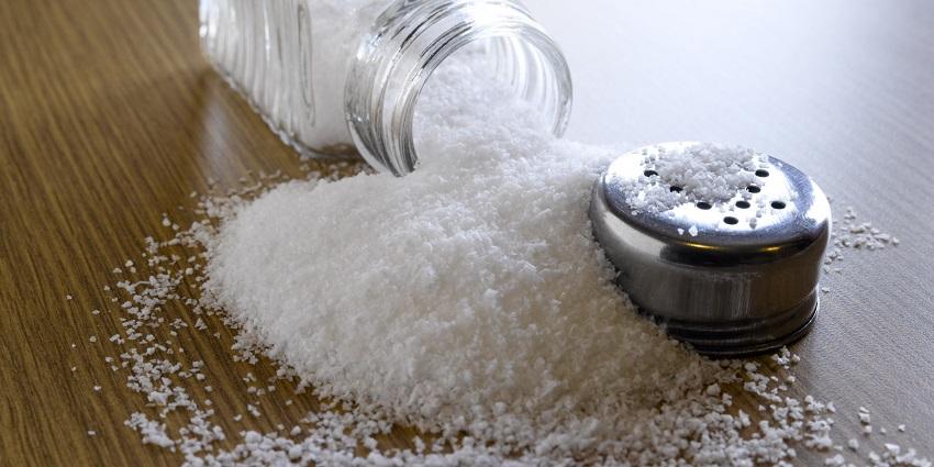 Sử dụng muối diệt bọ chét
